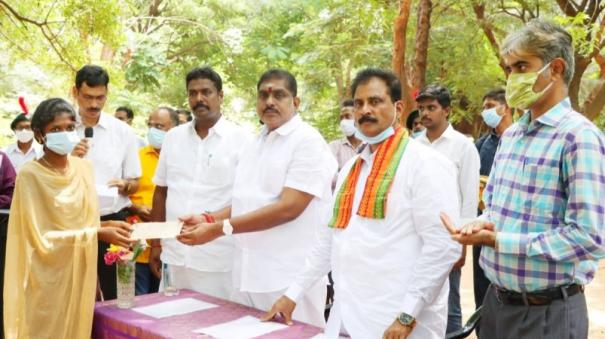a-lot-of-saplings-have-to-be-planted-to-breathe-clean-air-in-puduvai-minister-namachchivayam