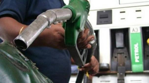 petrol-and-diesel-should-not-be-brought-under-gst-tamil-nadu-government-opposes-council-meeting