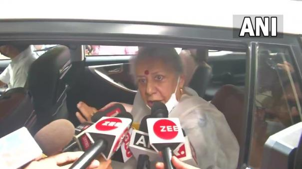 ambika-soni-refusing-to-hold-top-post