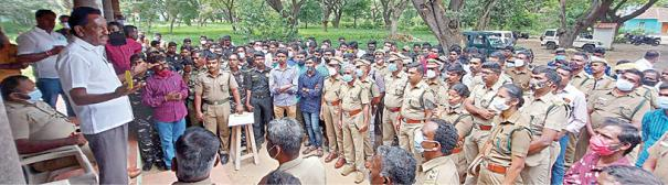 forest-department-staff-protest