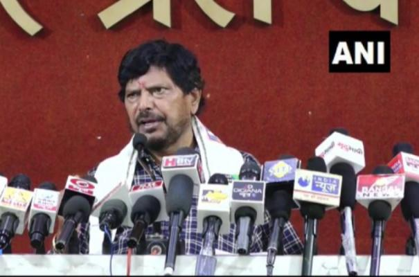 sonia-should-have-made-pawar-pm-in-2004-instead-of-manmohan-if-she-was-unwilling-athawale