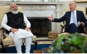 us-president-jokes-about-5-bidens-in-india-pm-modi-offers-papers