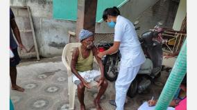 karur-collector-visits-homes-of-people-unvaccinated-and-urges-them-to-get-their-shots