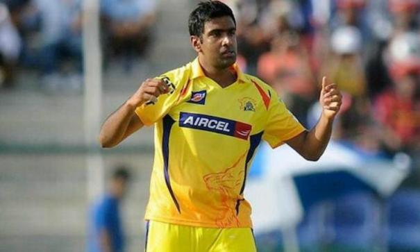 ipl-virender-sehwag-recalls-when-ms-dhoni-scolded-r-ashwin-for-send-off