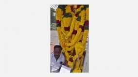 petition-in-front-of-gandhi-statue