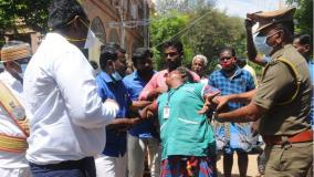 cleaner-who-tried-to-set-fire-to-the-madurai-district-collector-s-office-the-district-collector-who-got-out-of-the-car-and-stopped-it