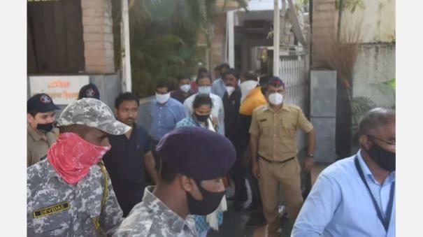 cbi-raids-former-maharashtra-home-minister-anil-deshmukh-home