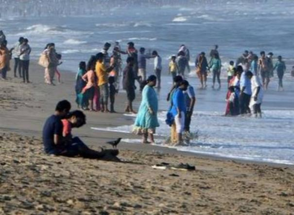 beach-will-be-open-on-sundays
