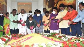 abdul-kalam-s-birthday-many-tributes-at-rameswaram-memorial