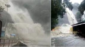 heavy-rains-in-tenkasi-courtallam-falls-flooded