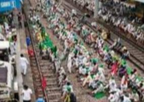 160-trains-hit-amid-arrest-minister-protest-over-up-farmers-killing