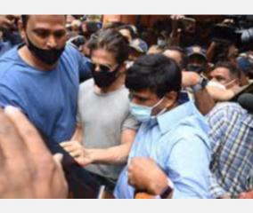 cruise-drugs-case-shah-rukh-khan-meets-son-in-mumbai-jail