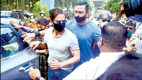 ncb-visits-shah-rukh-khan-house-mannat-for-paperwork-in-cruise-drugs-case