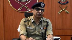 chennai-commissioner-gives-birthday-greeting-cards-for-policemen